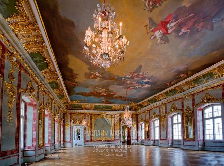 Пример дизайна интерьера в стиле классицизм