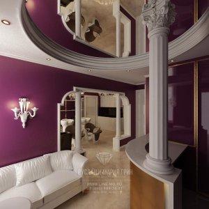 Зеркальный потолок и колонна в интерьере холла
