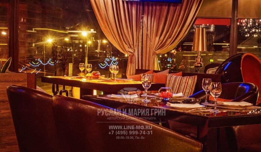 Фото интерьера ресторана с панорамными окнами после ремонта