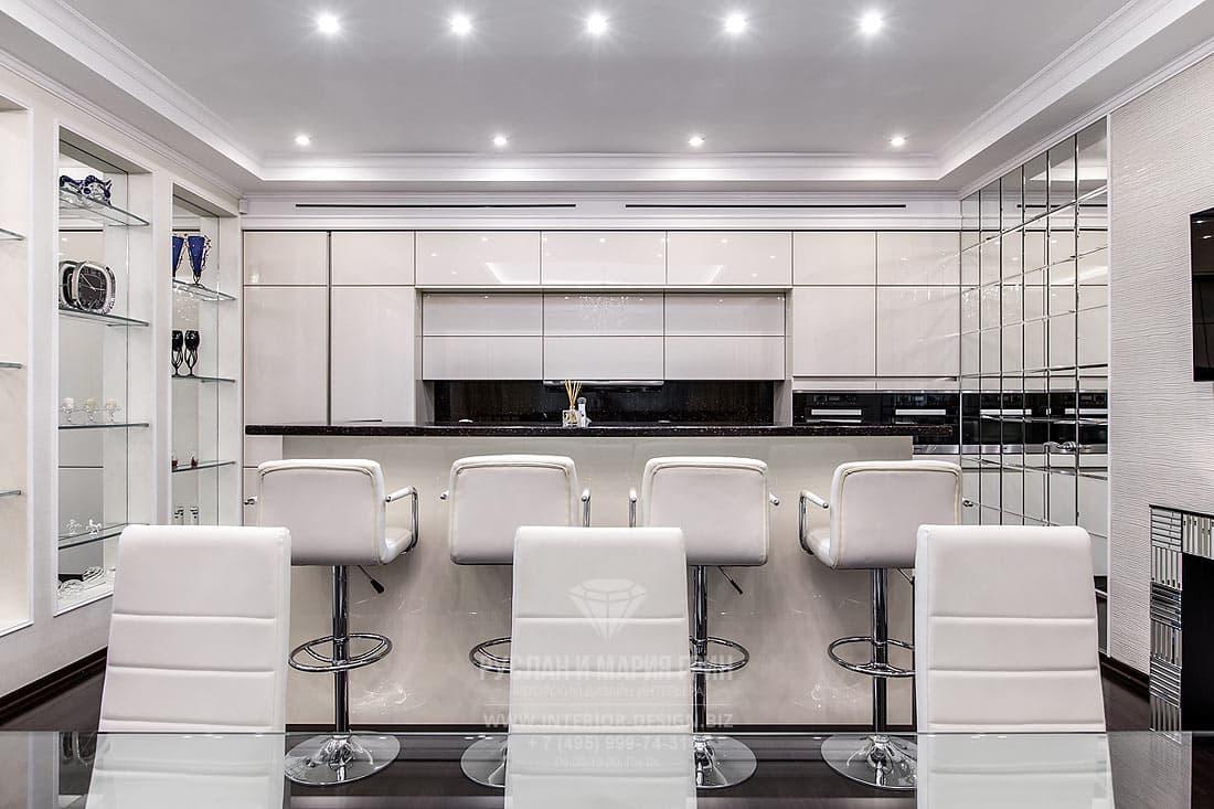 Дизайн кухни-столовой в загородном доме. Фото 2017.