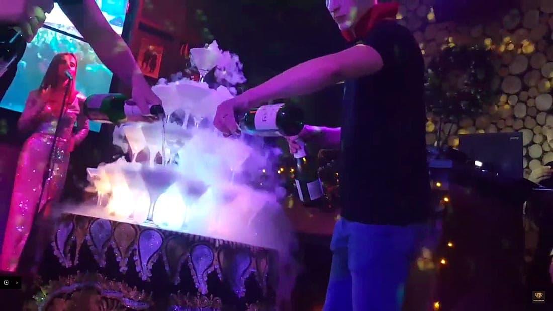 Репетиция Нового года в караоке ресторана Сергея Светлакова Eshak