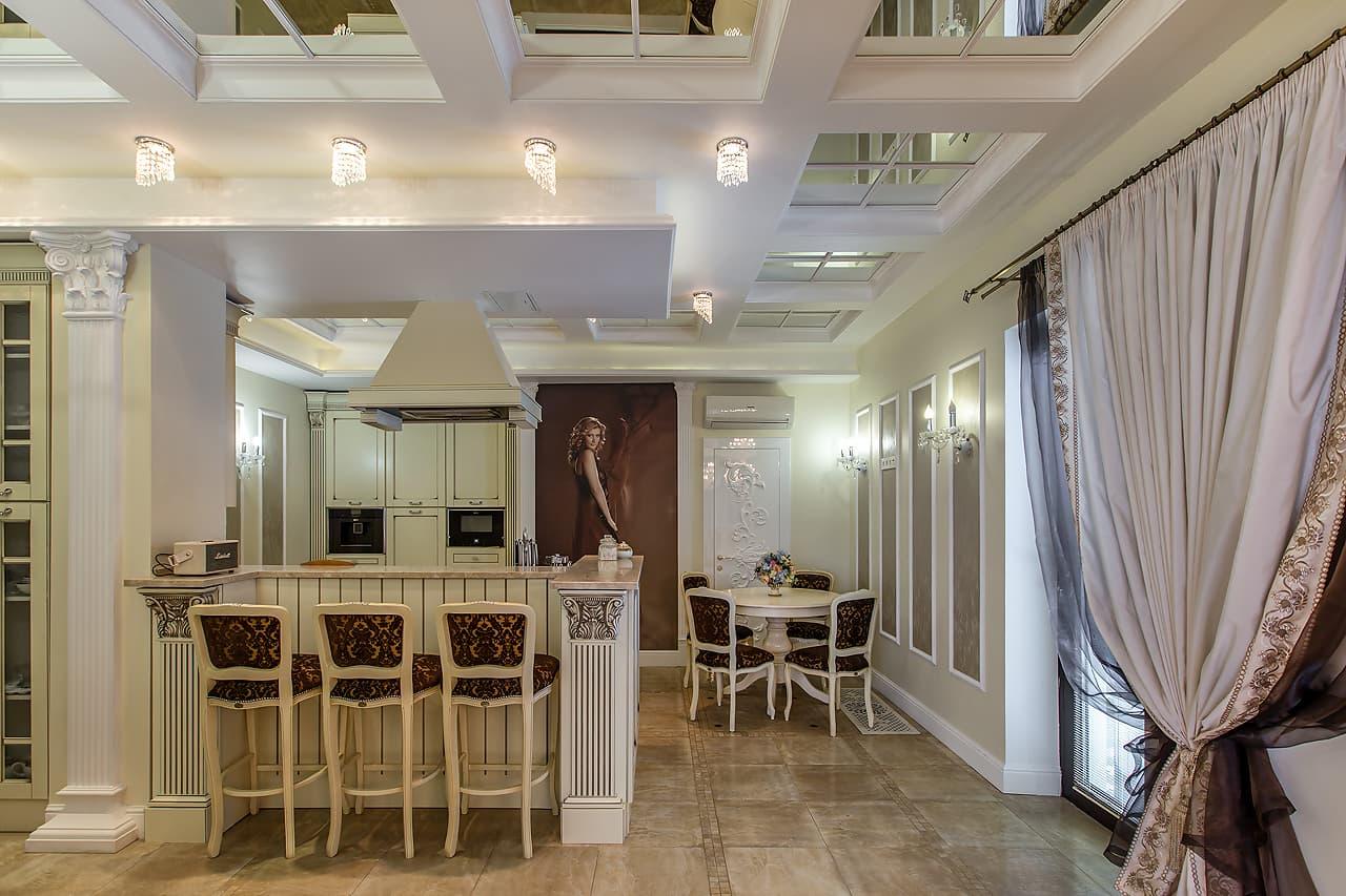 Дизайн кухни в стиле классика в частном доме