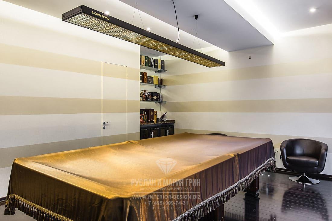 Интерьер бильярдной комнаты в частном доме