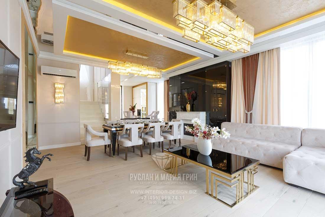 Дизайн гостиной-столовой дома в стиле арт-деко. Фото после ремонта