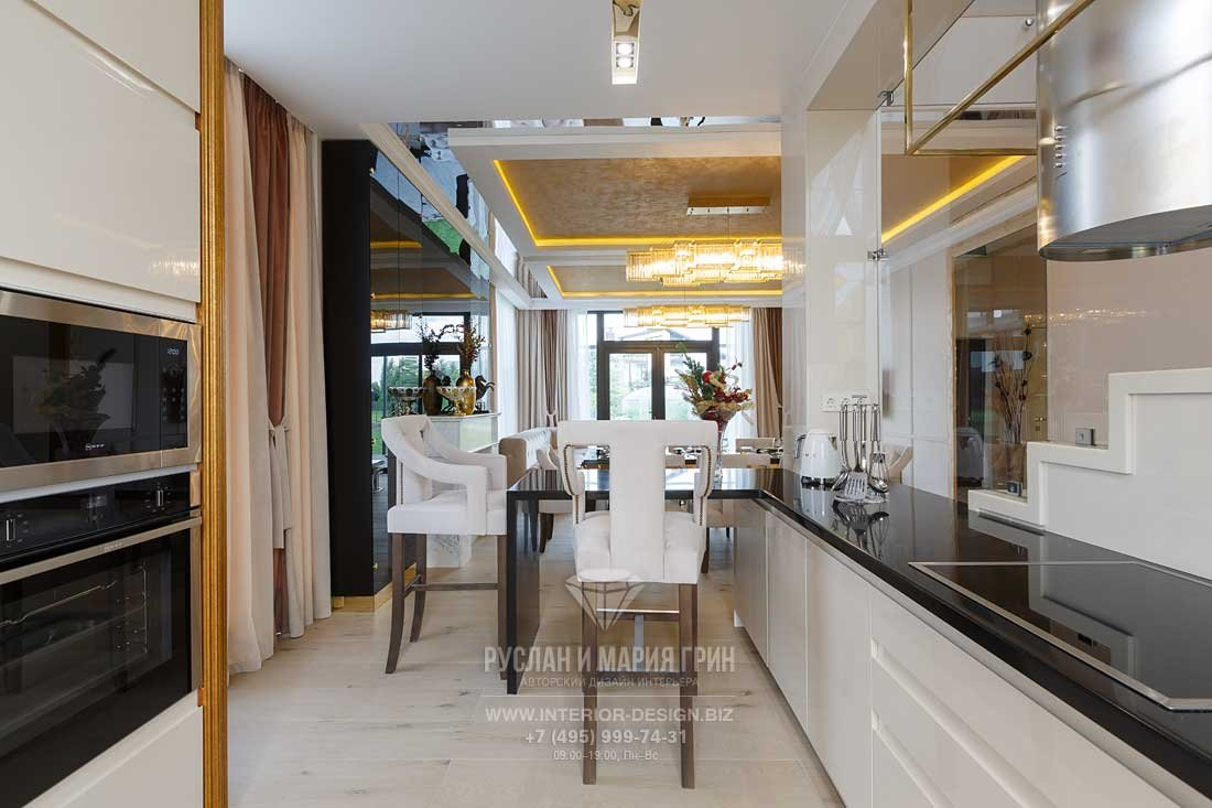 Барная стойка-полуостров на кухне в частном доме