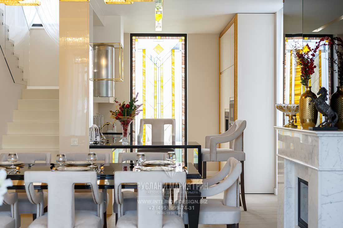 Витраж на кухне в стиле арт-деко