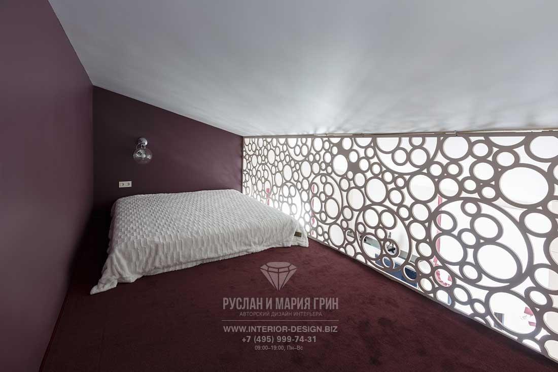 Спальня на антресоли в частном доме