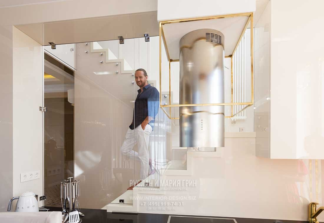 Дизайнер интерьера Руслан Грин. Реализованный проект коттеджа в стиле ар-деко