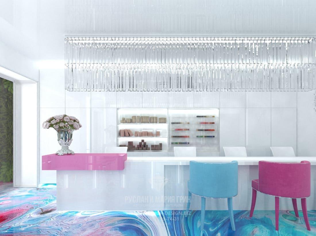 Дизайнерский интерьер салона красоты в Москве