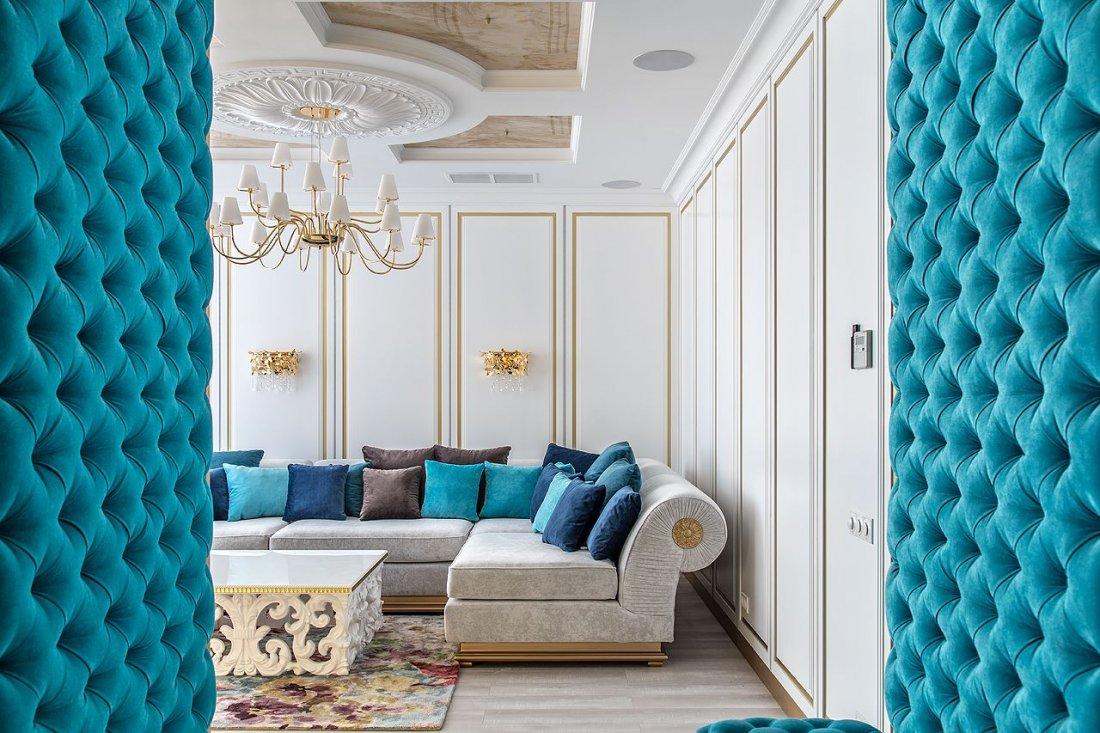 Интерьер белой гостиной в стиле ар-деко