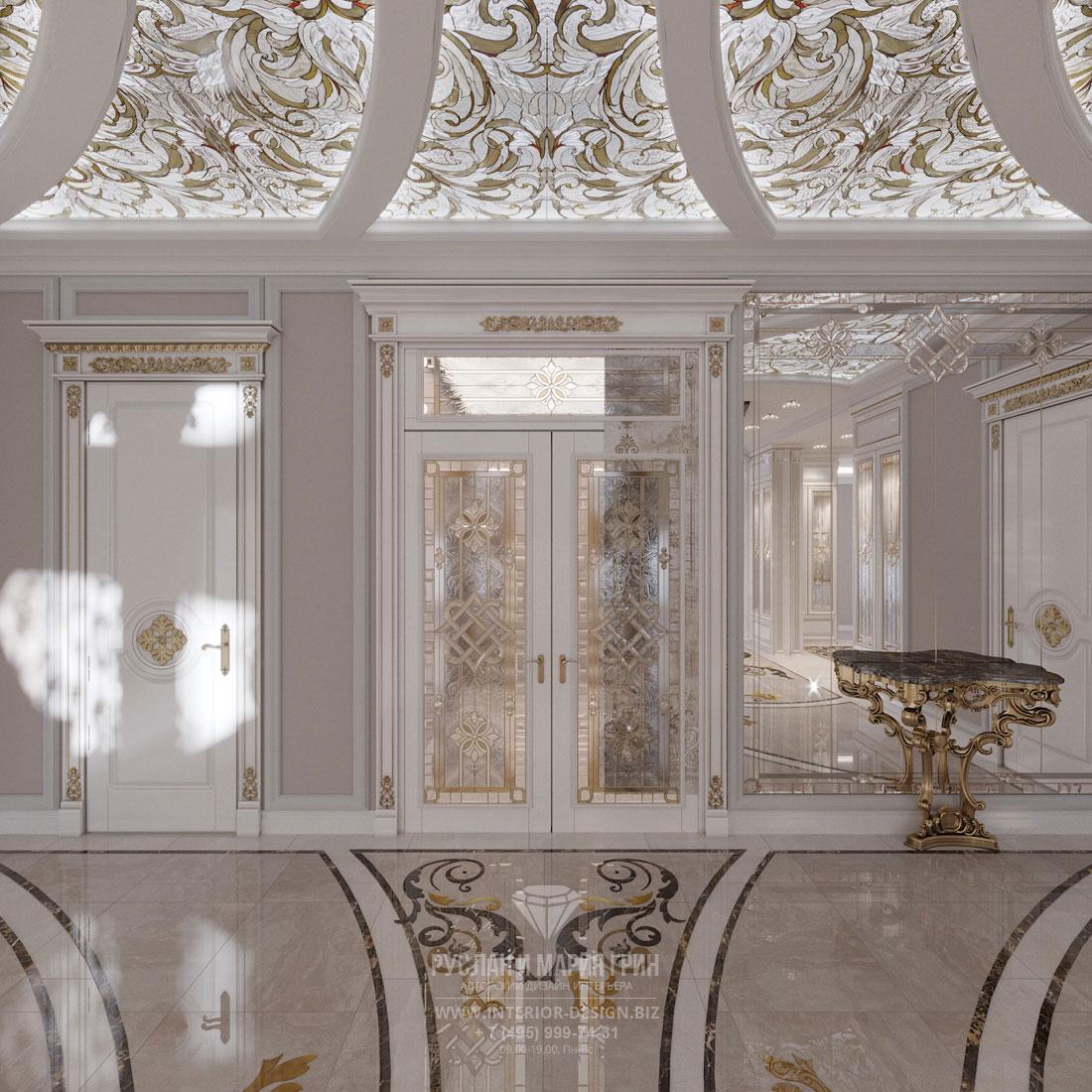 Дизайн холла загородного дома в классическом стиле