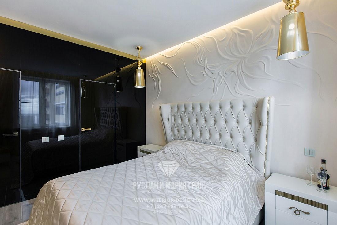 Дизайн спальни в стиле арт-деко с барельефом