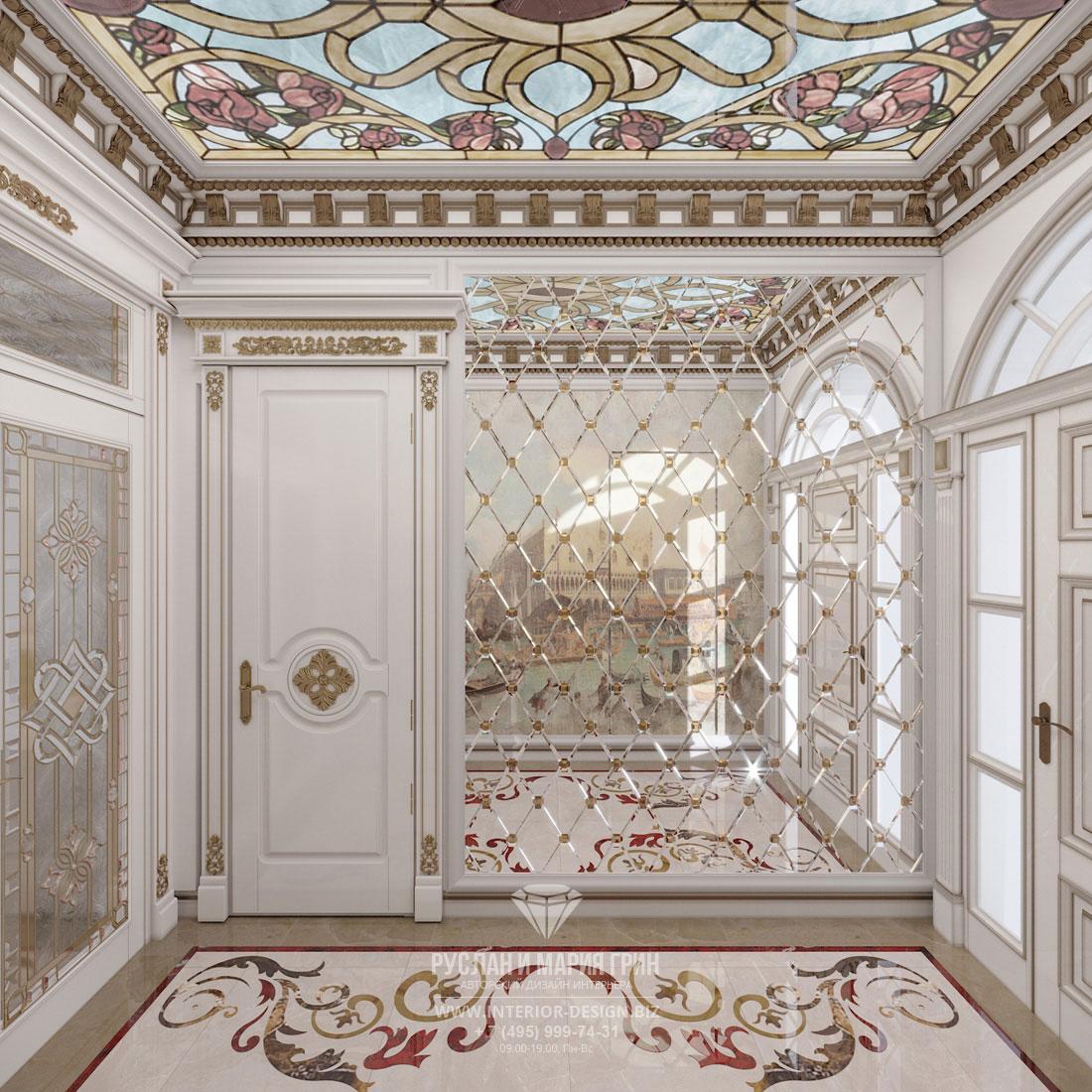 Дизайн интерьера прихожей в загородном доме в классическом стиле