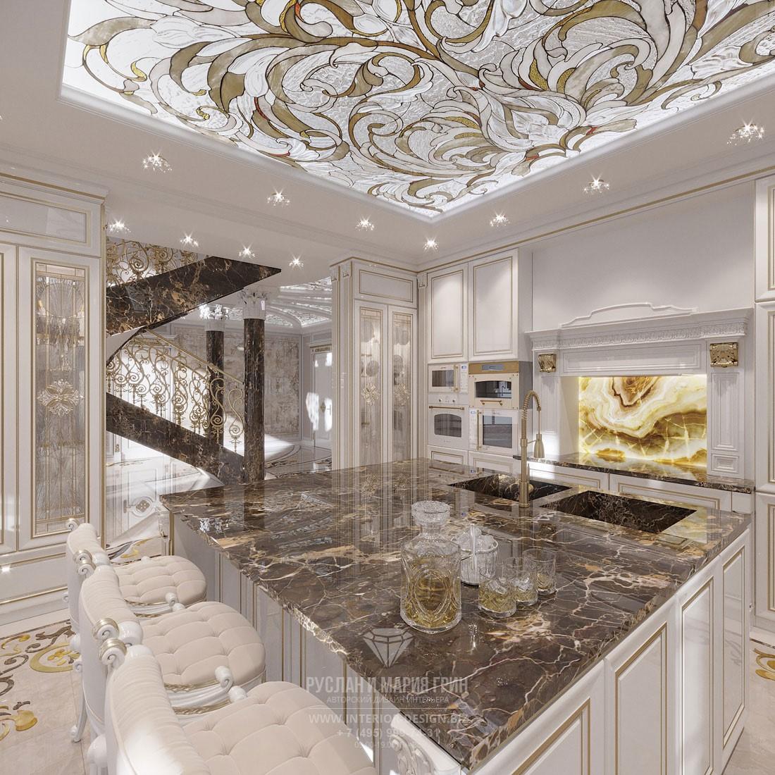 Остров с мраморной столешницей в дизайне белой классикой кухни