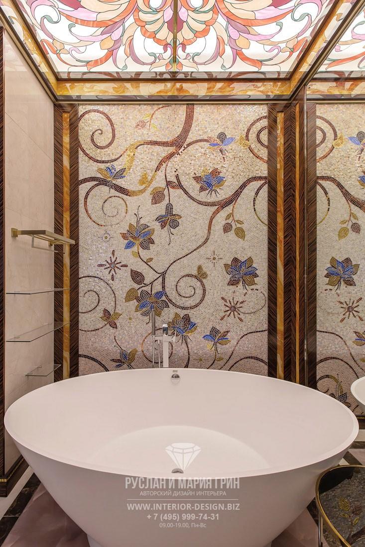 Дизайн ванной комнаты в стиле арт-деко с мозаичным панно
