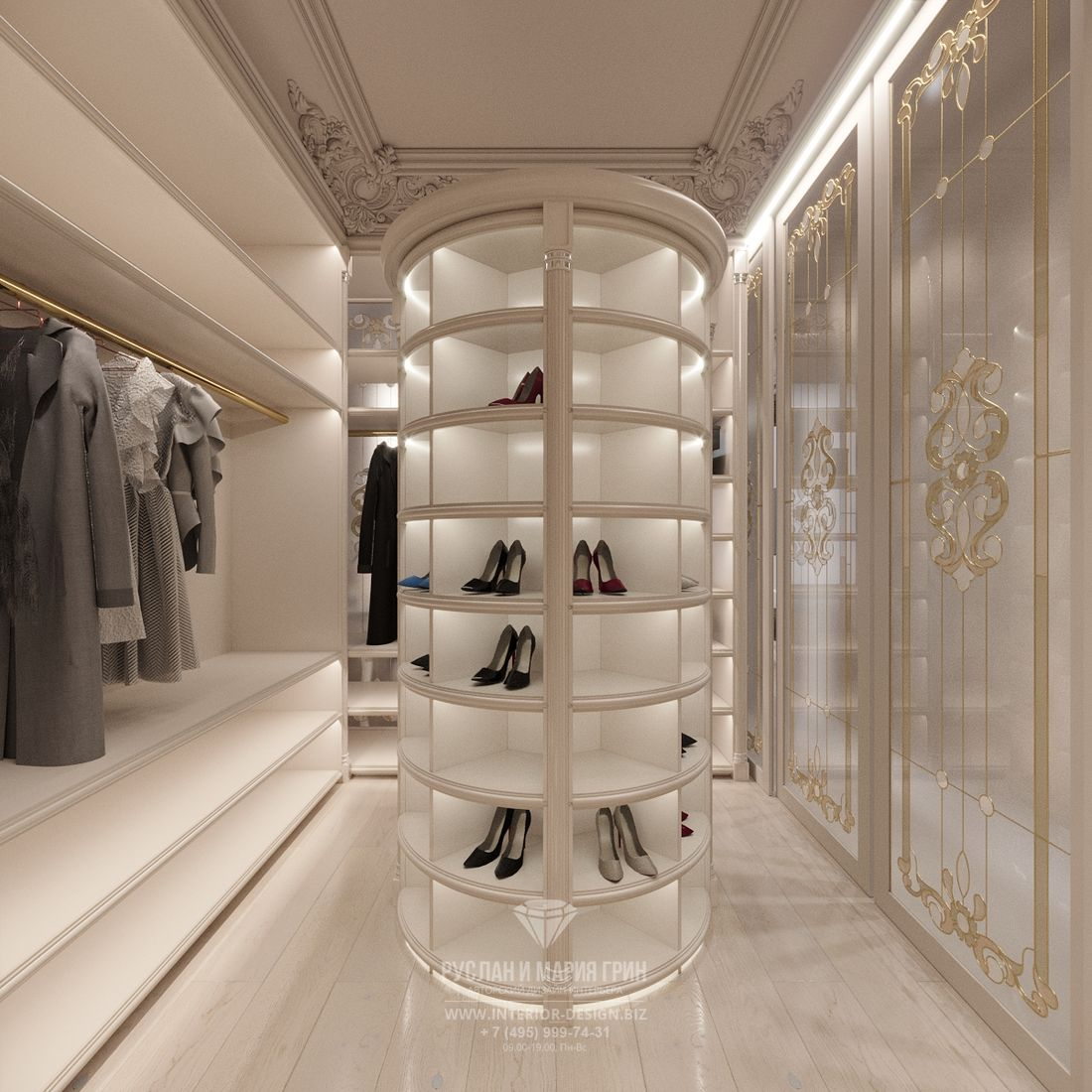 Дизайн белой гардеробной в классическом стиле с круглым стеллажом для обуви